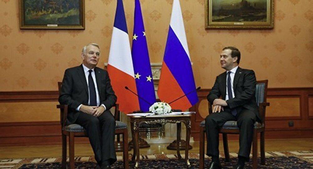 La France facilitera les conditions pour les investissements russes