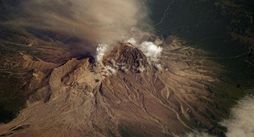 Volcan Chivéloutch : troisième éruption en 24 heures