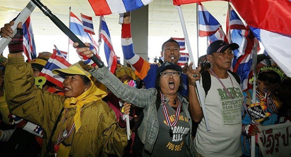 Thaïlande : l'opposition reprend les protestations