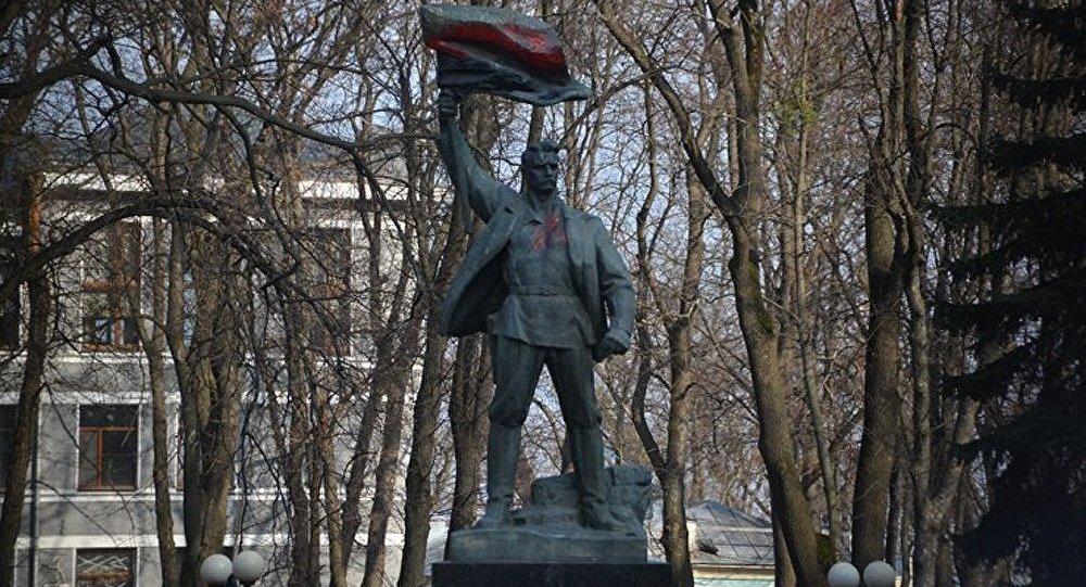 Ukraine : la présidentielle anticipée ne résoudra pas les contradictions