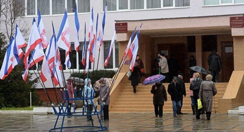 En direct de la Crimée : A. Chauprade témoigne
