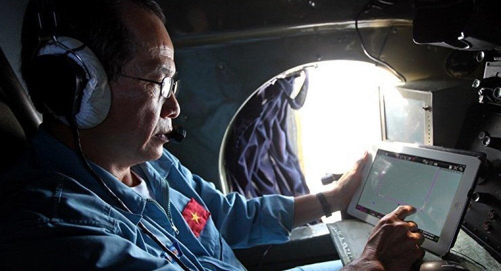 Boeing/recherche : un avion chinois repère des objets « intrigants »