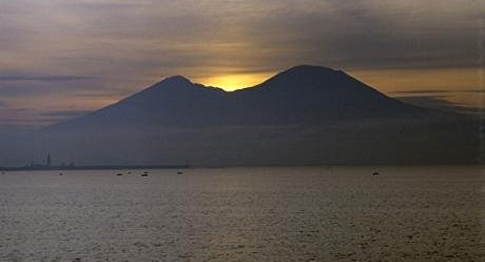 L'Ararat et le Vésuve : sinistres et majestueux