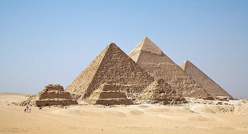Une « immense » nécropole et 50 momies découvertes en Egypte