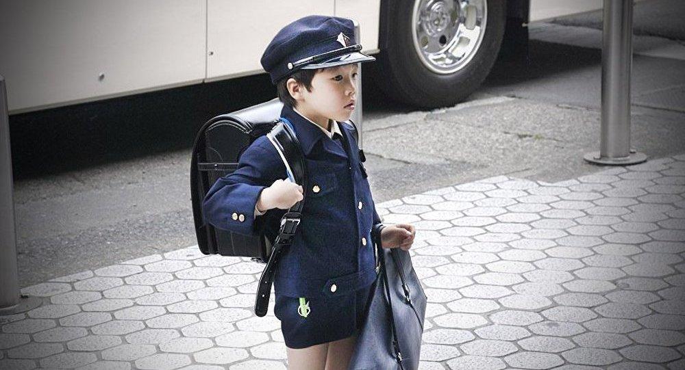 Japon : 9 enfants sur 10 retirés aux parents finissent en foyer (HRW)