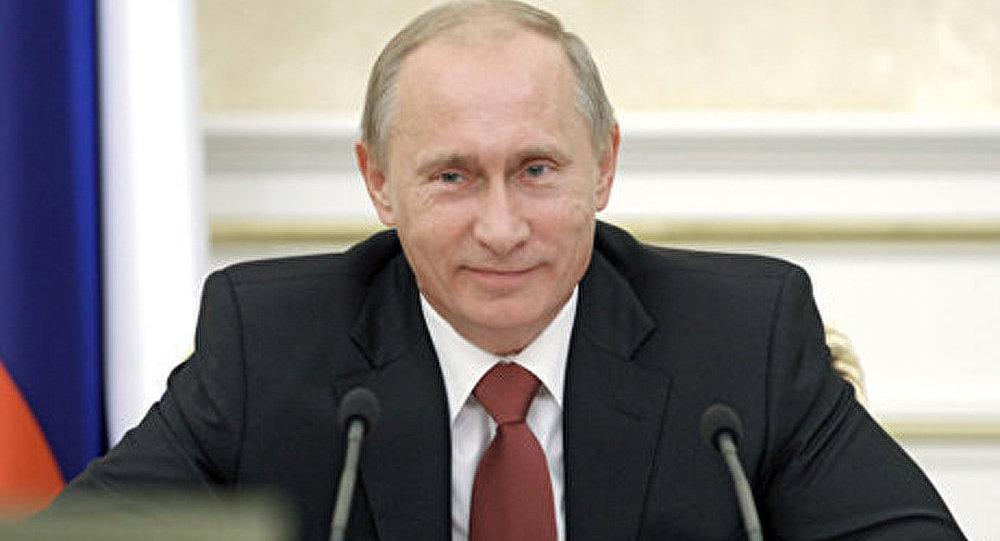Poutine félicite les travailleurs pour la Fête du Printemps et du Travail