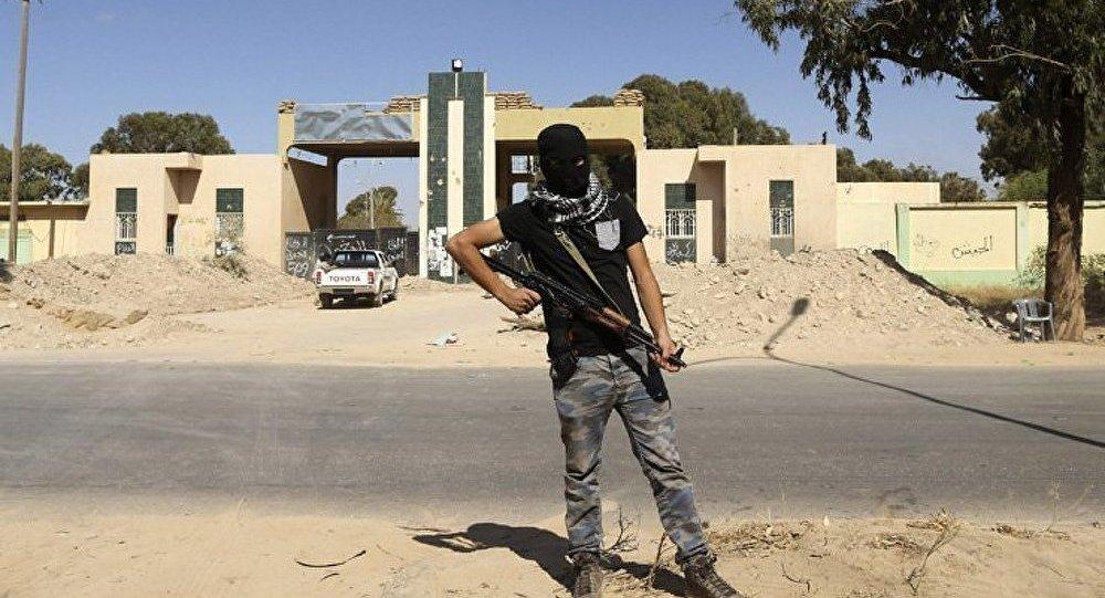 Libye: après Algérie et Arabie saoudite, Emirats ferment leur ambassade (TV)