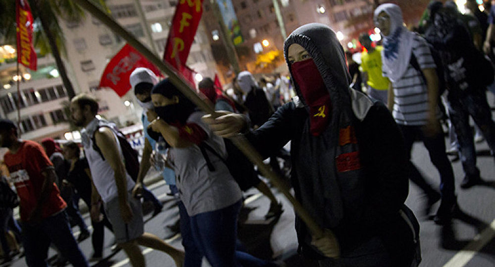 Une vague de protestations contre le Mondial dans des grandes villes du Brésil