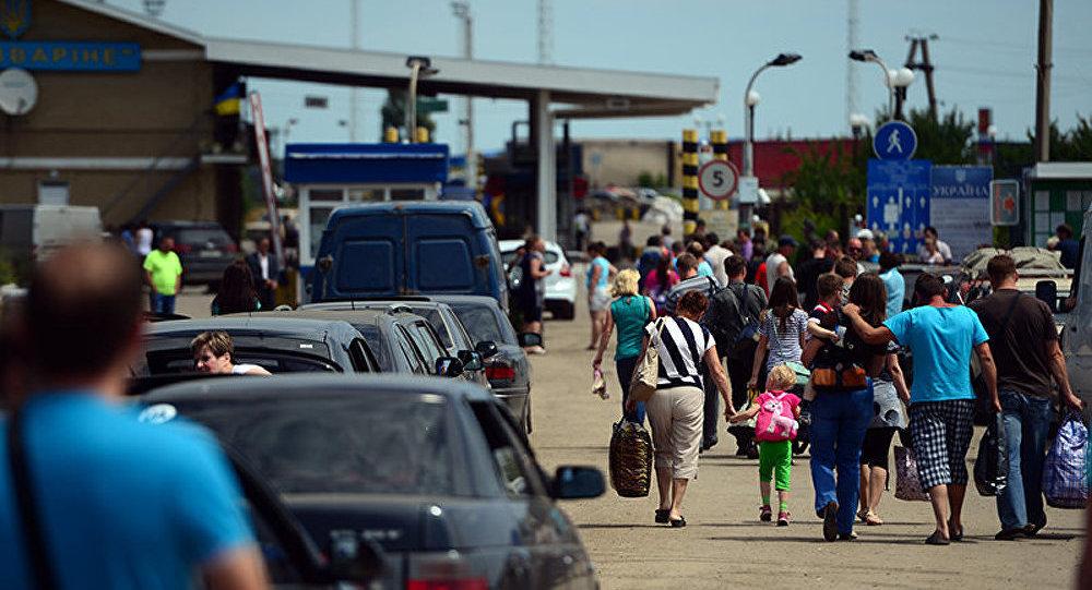 Réfugiés ukrainiens : Moscou fournit 80 tonnes d'aide