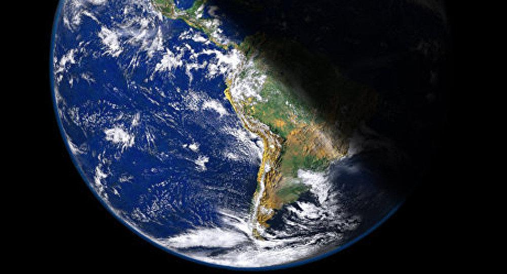 Le champ magnétique de la Terre s'affaiblit