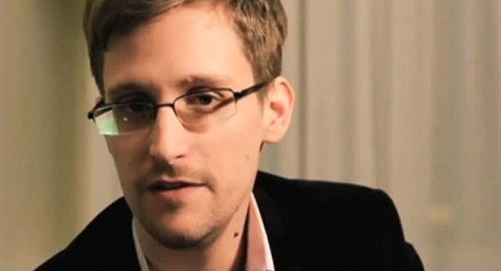 Toutes les autorités devraient partager les informations (Snowden)