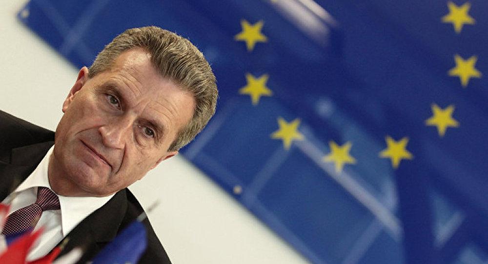 Oettinger a appelé à remplir les cuves de gaz