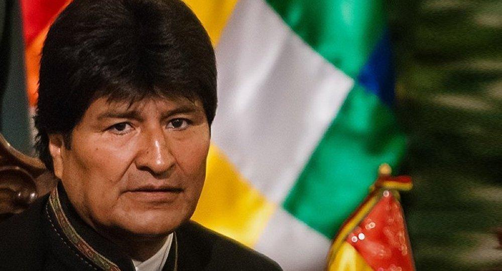 Evo Morales dit s'être soigné en buvant sa propre urine