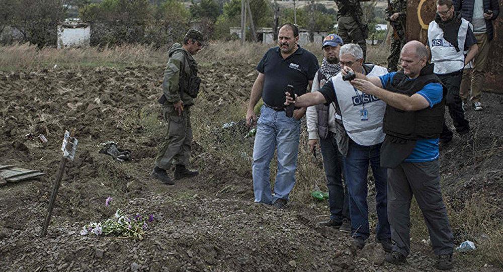 Ukraine: 400 corps découverts dans des charniers près de Donetsk