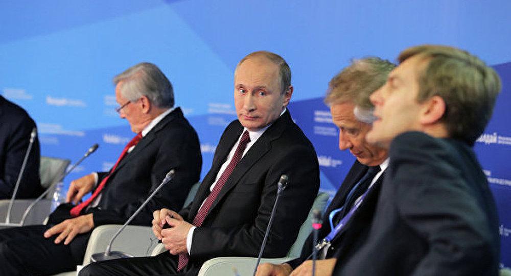 La Russie n'attente pas à la souveraineté de ses voisins (Poutine)