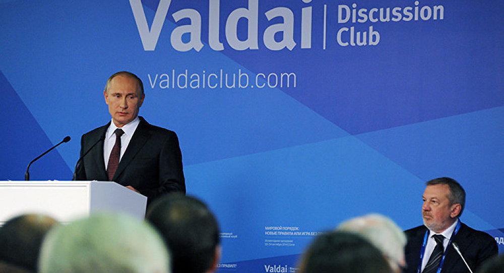 Poutine pointe le risque croissant de conflits entre grandes puissances