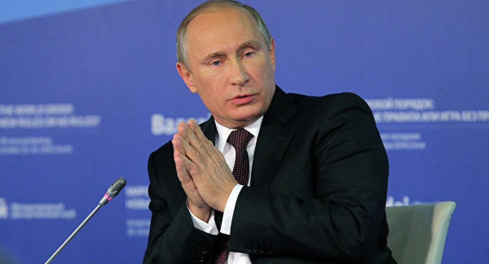 Poutine prône un espace économique de l'Atlantique au Pacifique