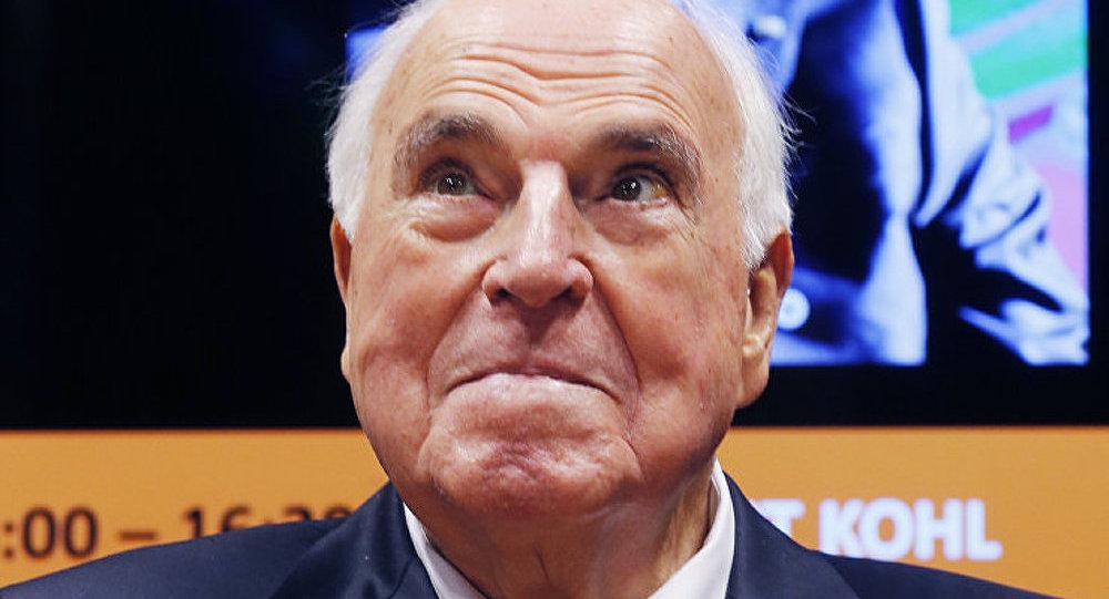 Ukraine : l'Occident devrait agir avec plus d'intelligence (Helmut Kohl)