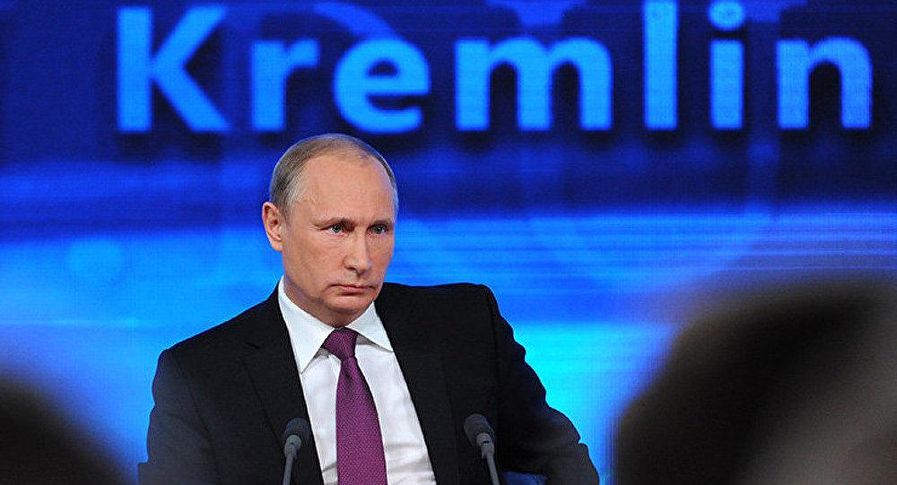 Vladimir Poutine parle des intérêts nationaux, des murailles du Kremlin et du peuple russe