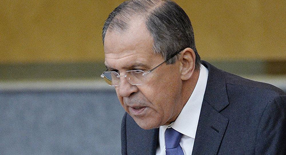 Ukraine/abandon du statut hors-bloc: décision contreproductive (Lavrov)