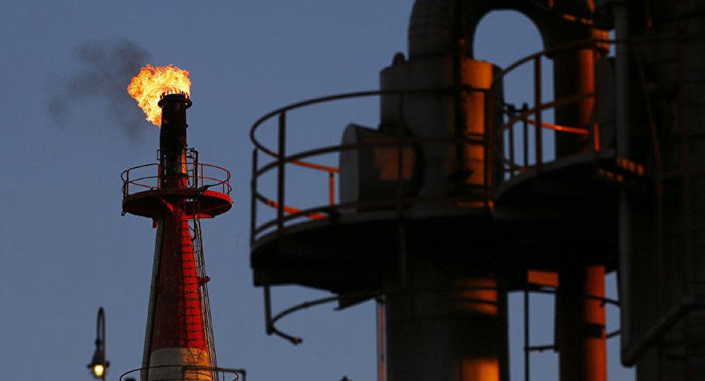 Pétrole: le prix du baril pourrait bientôt atteindre 90 USD (ministre iranien)