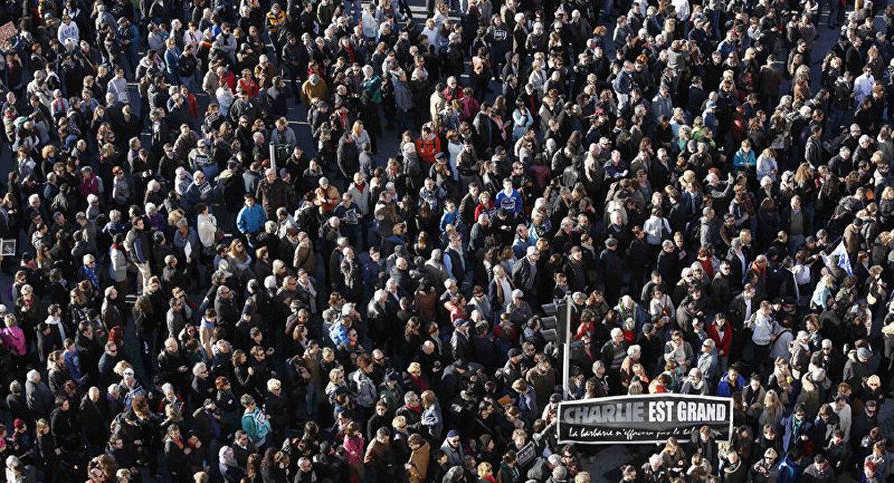 Terrorisme : des milliers de manifestants en province (médias)