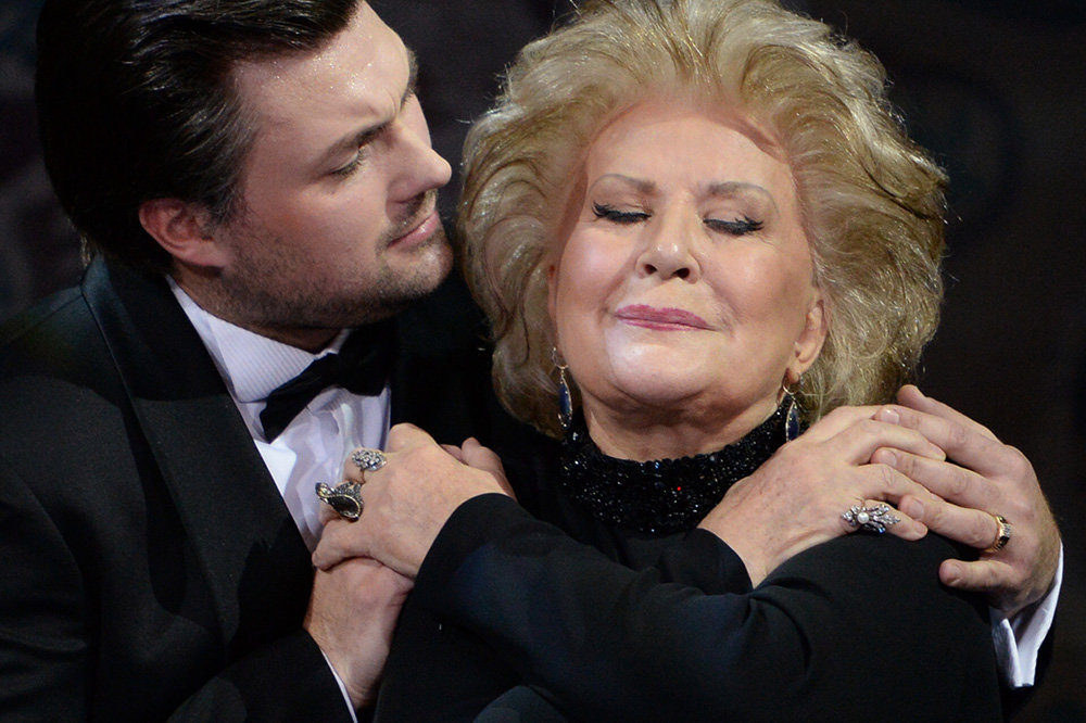 En décembre 2013, Elena Obraztsova a célébré les 50 ans de sa carrière scénique.