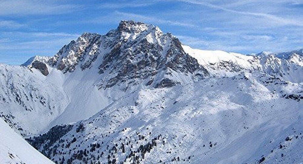 Six skieurs emportés par une avalanche dans les Alpes françaises