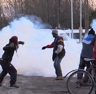 Des affrontements lors du démantèlement de la «jungle» de Calais
