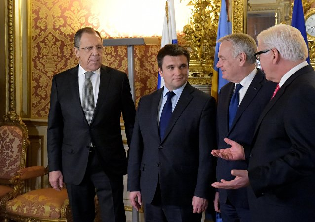 un ministre ukrainien refuse de faire la photo avec Lavrov