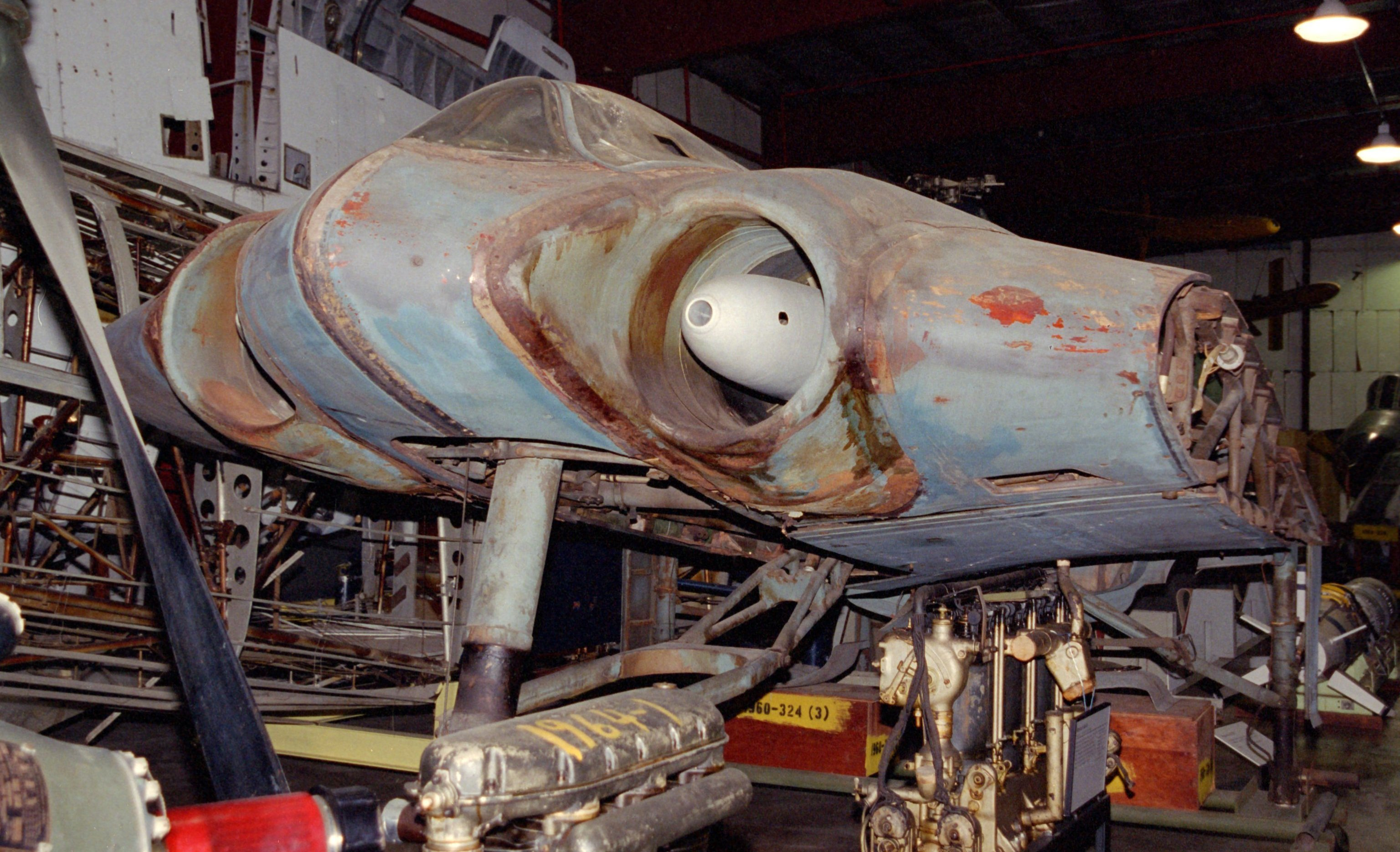 Pièces du Horten Ho 229 v3 au Smithsonian's Garber restoration facility (National Air and Space Museum)
