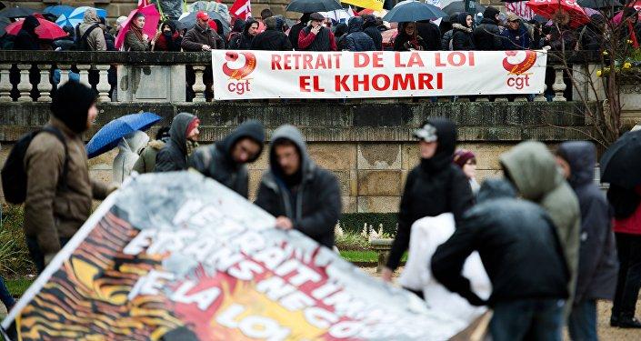 Entre 27.000 et 29.000 manifestants à Paris contre la loi travail