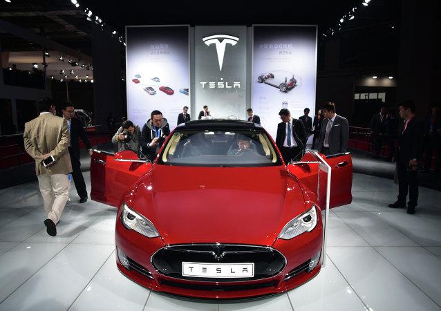 Une voiture Tesla Model S