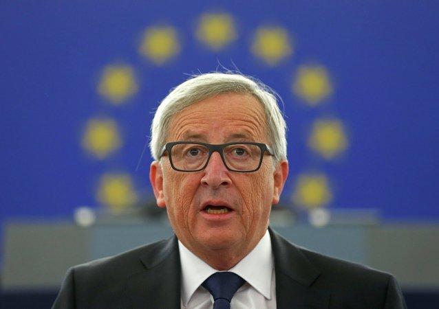 Juncker aux francophones: n'hésitez pas à parler français!