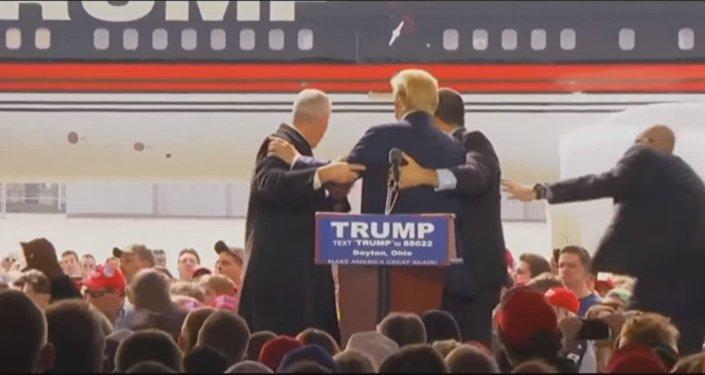 Trump dit avoir été assailli par un homme lié à Daech