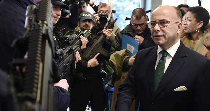 Le ministre français de l'Intérieur Bernard Cazeneuve