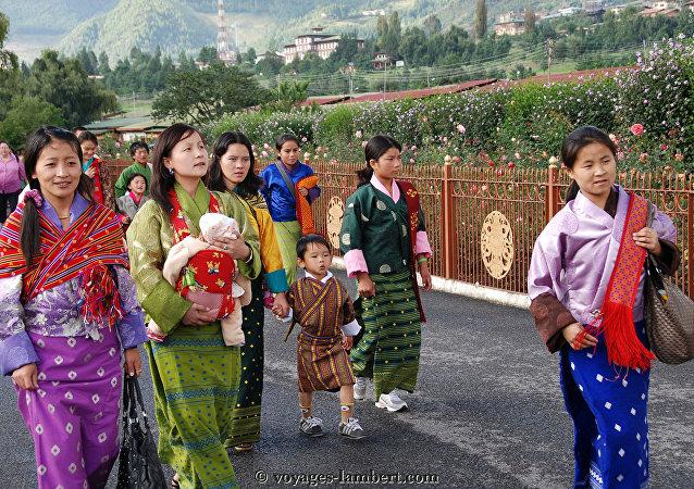 Le Bhoutan célèbre la naissance du nouveau prince en plantant 108.000 arbres