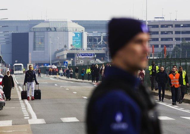 Bruxelles: explosions à Zaventem, l'aéroport fermé