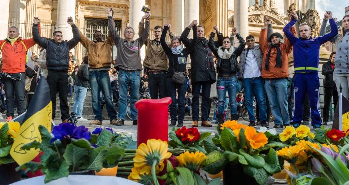 Action en hommage aux victimes des attentats de Bruxelles