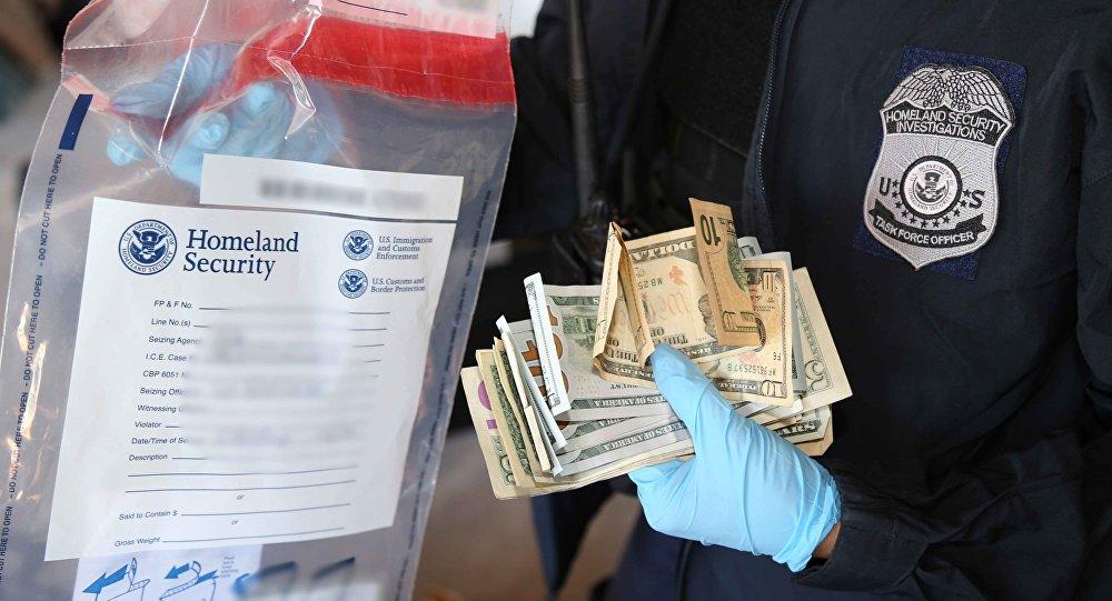 Entre les USA et le Mexique, les tunnels du narcotrafic