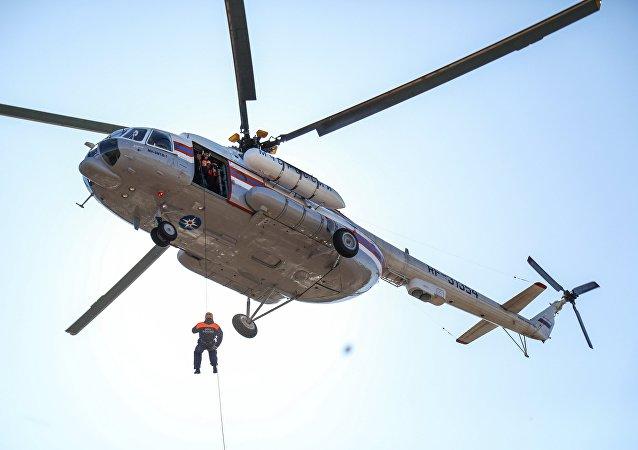 L' entraînement des sauveteurs du ministère des Situations d'urgence