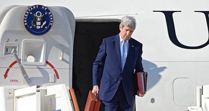 Jonh Kerry à son arrivée à Moscou