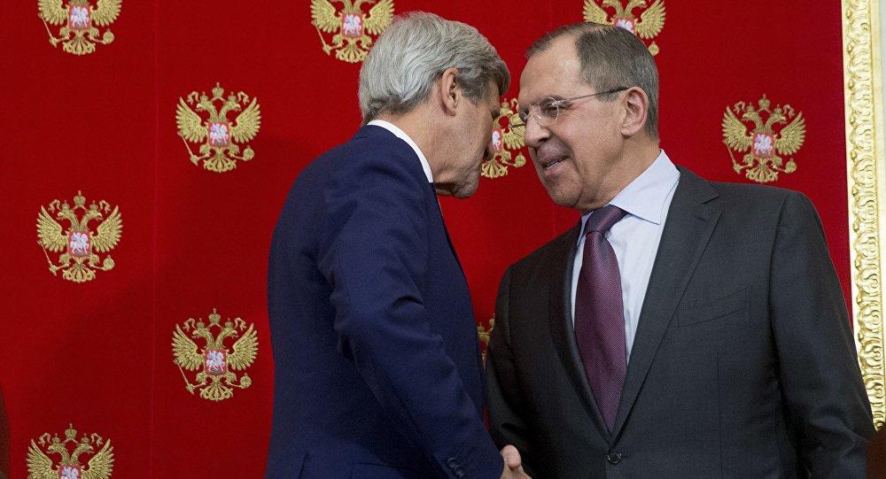 John Kerry et Sergei Lavrov