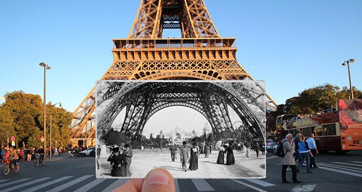 Paris. Fenêtres sur l'Histoire. Tour Eiffel. 1900