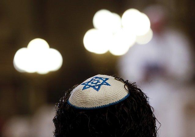 Un membre de la communauté juive