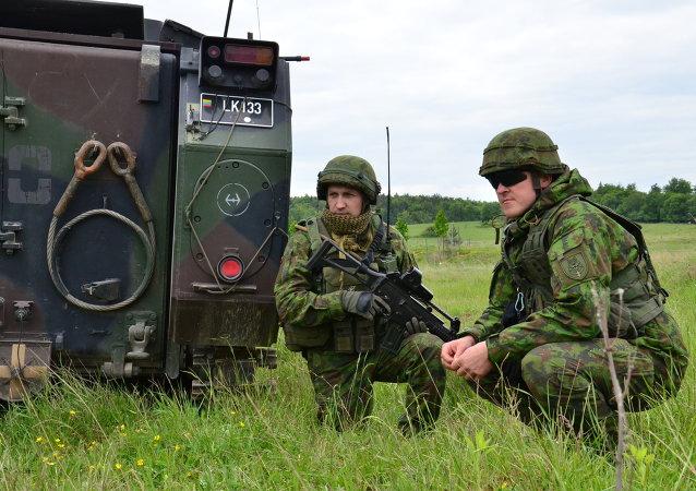 Des soldats lituaniens