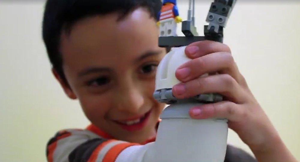 Une prothèse pour enfants legocompatible