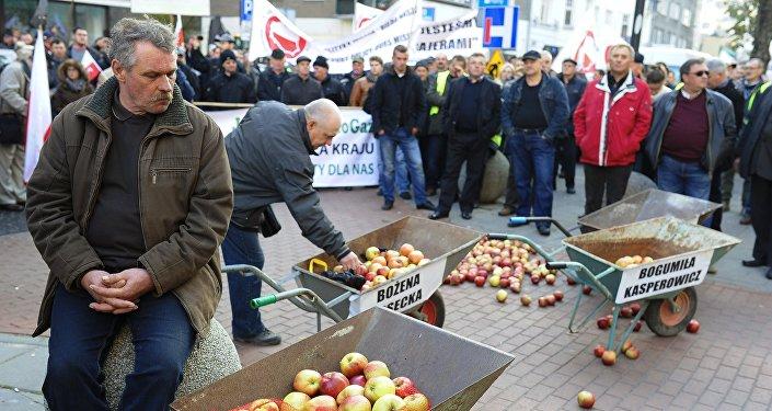 Les fermiers polonais protestent contre l'embargo. Archives