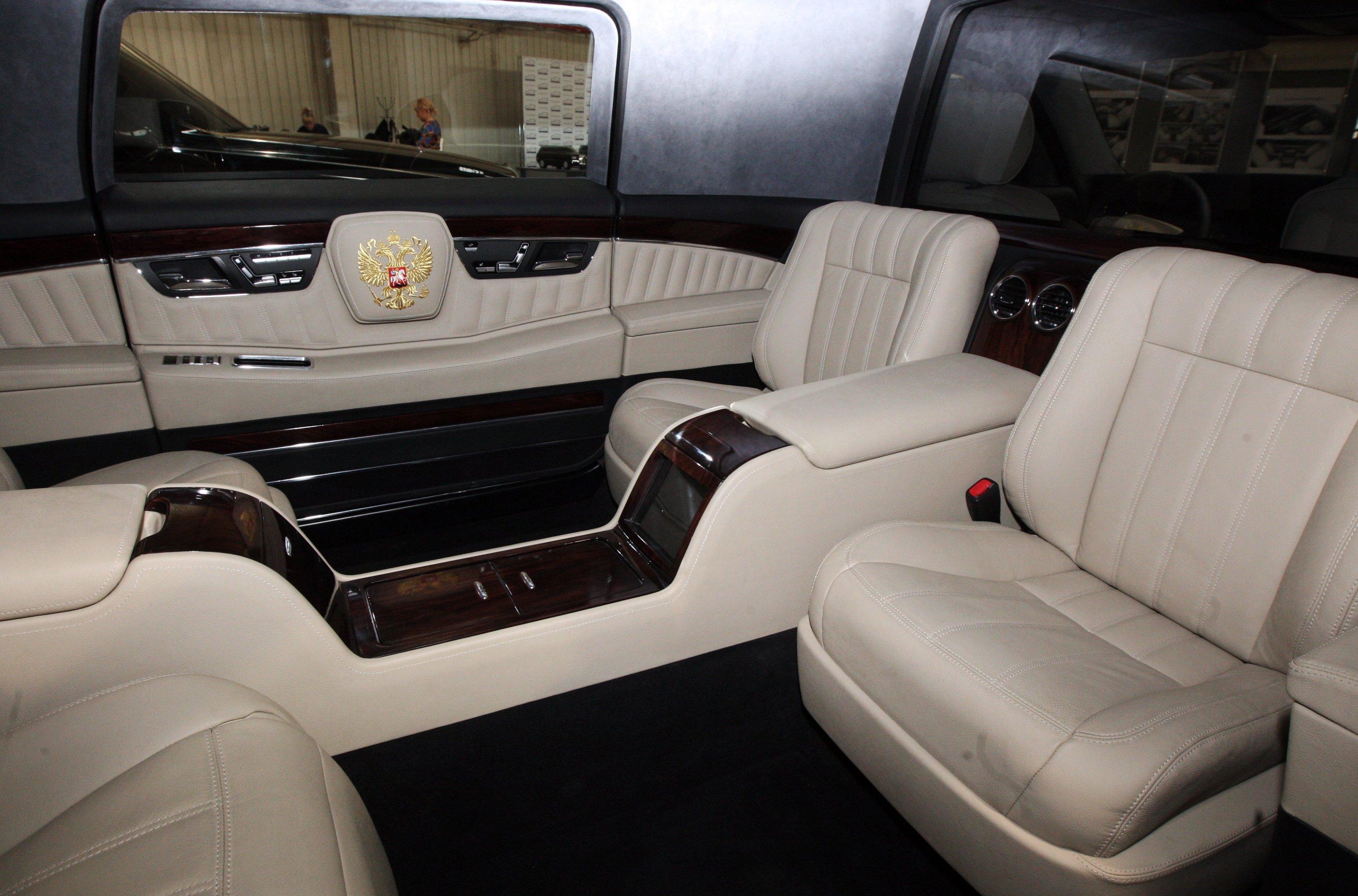La limousine pr sidentielle russe obtient la meilleure for Interieur limousine