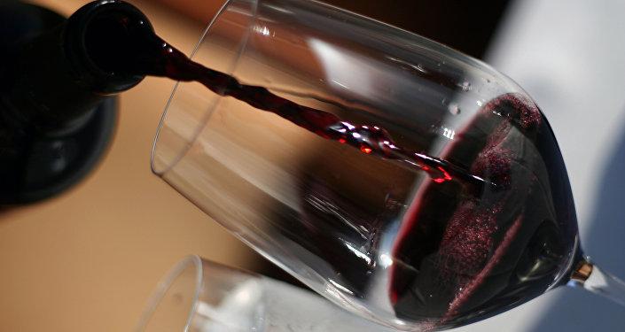 Vin espagnol importé en France: des vignerons voient rouge